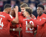 Gratis Versand + Geschenk im FC Bayern FANSHOP